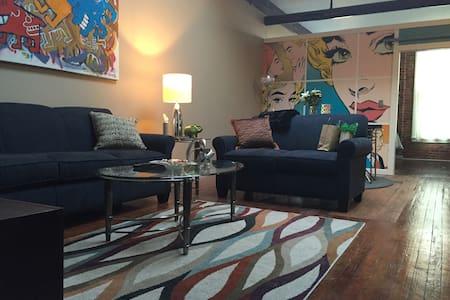 510 Studios Downtown Loft - Rockford - Appartement