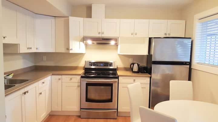 Beautiful Garden Suite (1 bedroom) in Coquitlam
