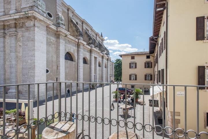Arco Living 1, relax nel centro storico