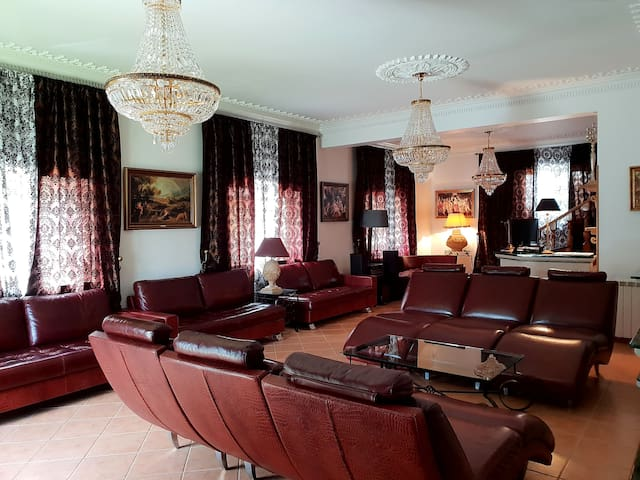 9Rooms Residence at Luxury Villa☆☆☆☆☆(20-31Guests)