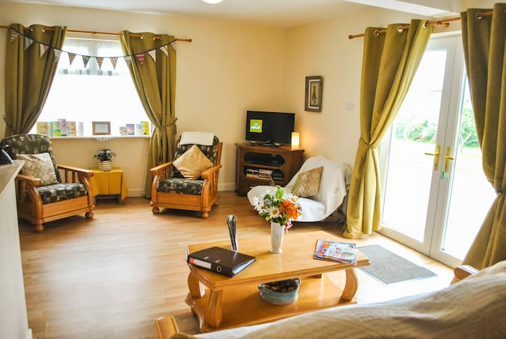 Wood Rd Lodge, WiFi, pet friendly, welcome pack!