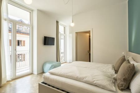 CAPITOL ROOMS deluxe double balcony - Bolzano