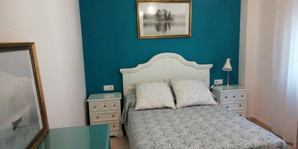 Habitación cama doble en Málaga