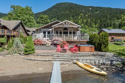 Lake Sutherland Retreat