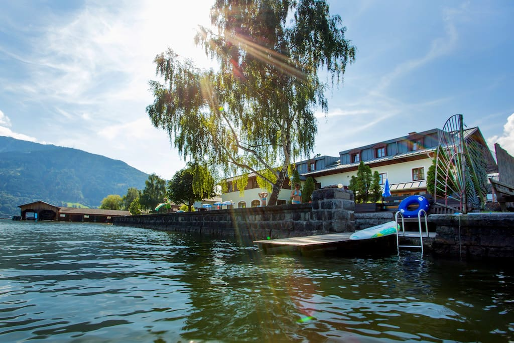 Pension Lindenthaler - Zell am See - Bed and Breakfast ...
