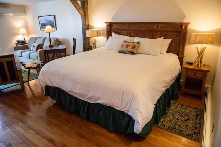 Mount Mansfield Junior Suite