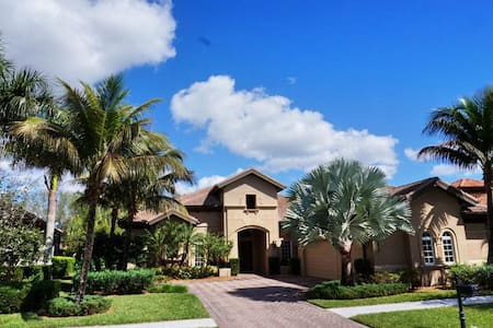 MAJ8978, Single Family Home at Naples, with Golf Course View - Lely Resort - Other