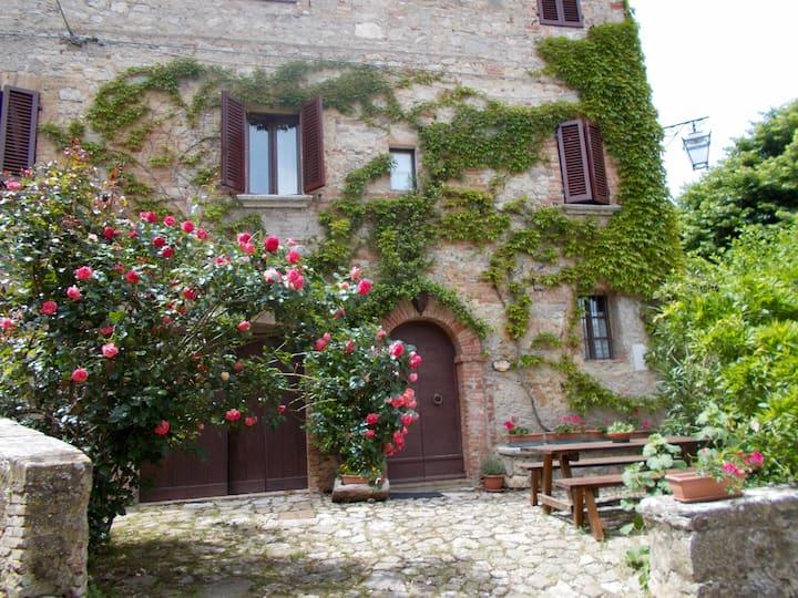 Casa del Capitano di Rocca d'Orcia