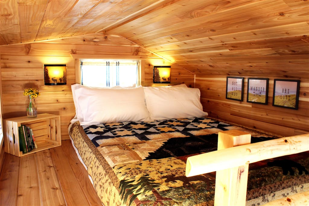 Cabin Tiny House Tiny Digs Hotel Guesthouse for Rent