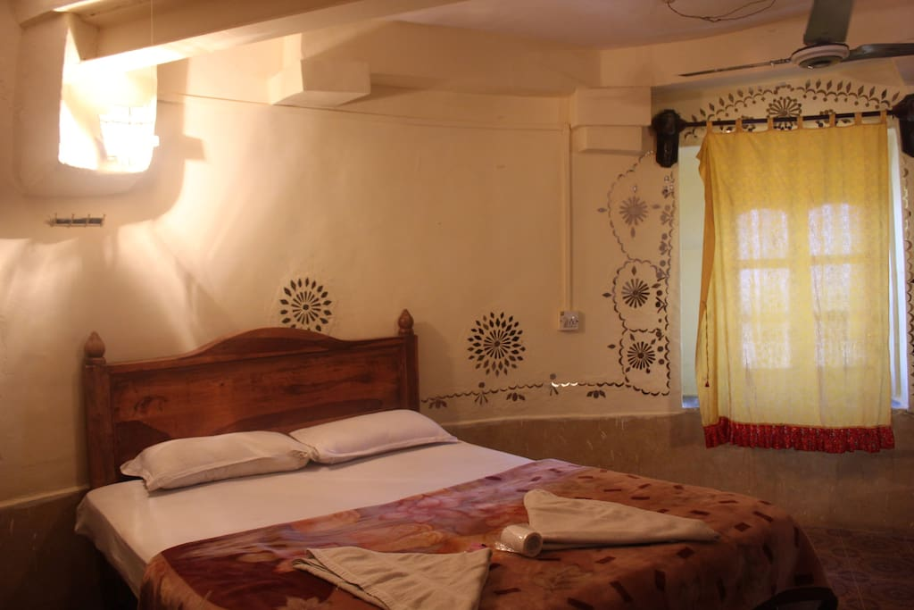 The Bed and the Jharokha