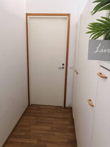 Cozy room in Vantaa for short stays