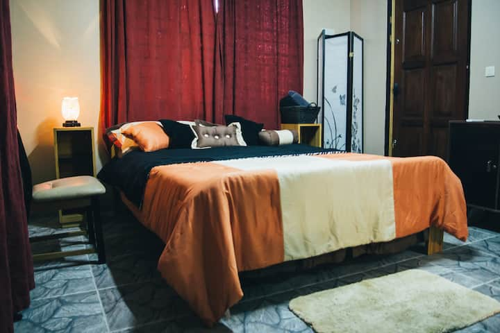 Picasso-studio apartment