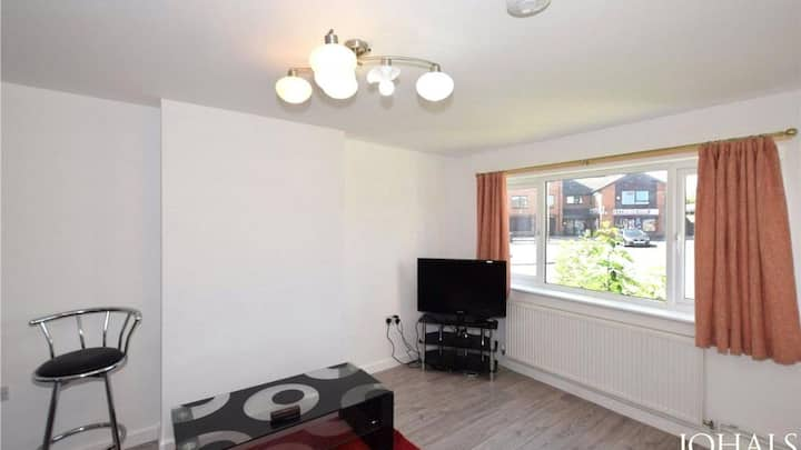 Quality 1 Bedroom Available in a Nice Quiet Street