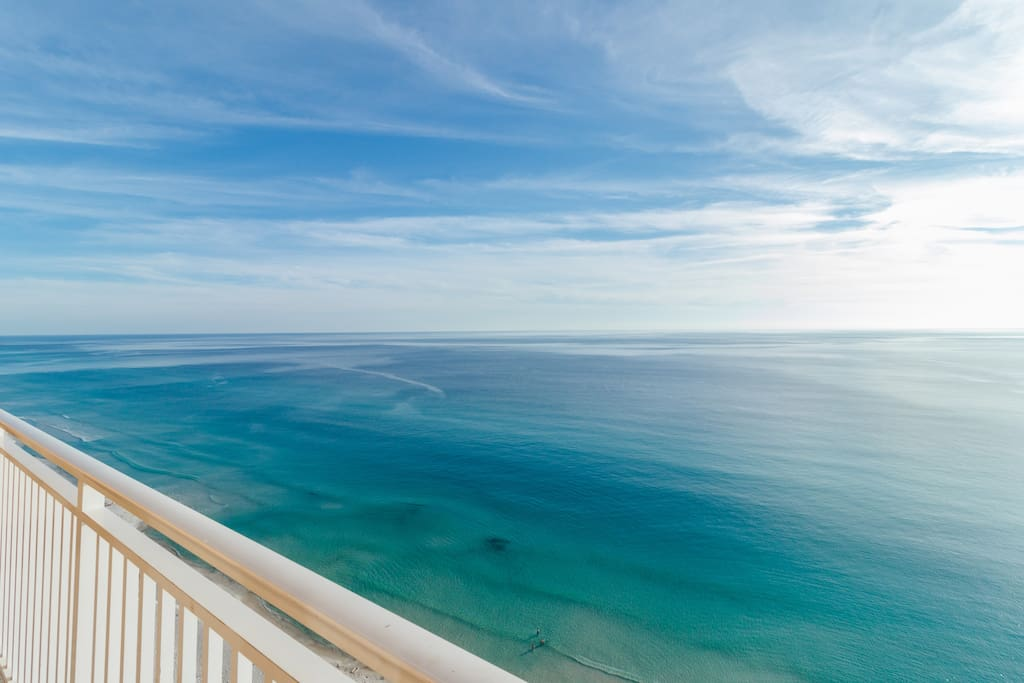 Splash 2101w is an end unit, with breathtaking views of the emerald green waters of the Gulf of Mexico