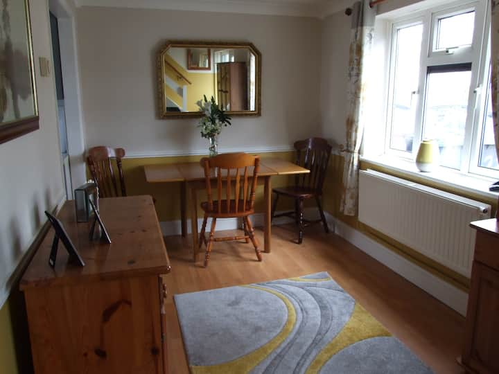 Large double room in quiet area.