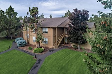 Be my guest at Worldmark Eagle Crest Resort