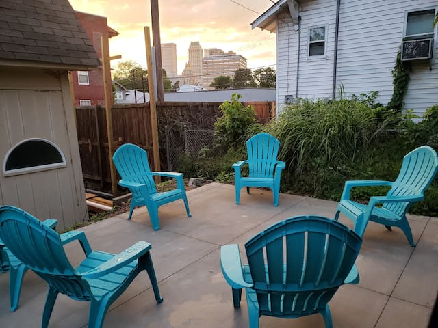 Downtown Tulsa! Great Patio!! The Super Host Exp!