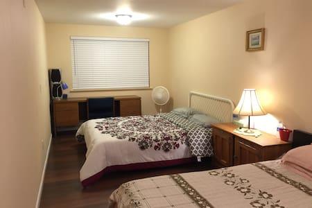 本房源位于西雅图市伊萨夸小镇的老虎山山脚下,环境优美,适合旅行家庭居住 - Issaquah - Bed & Breakfast