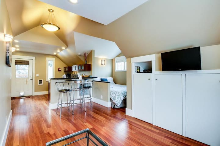 Boise's Best Studio-North End - Boise, ID