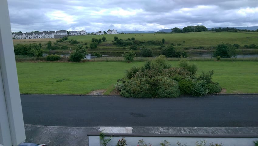 Beautiful River View - Ballina - Casa