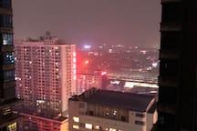 治愈系 | 市中心 高清投影 楼下既地铁一 二号线 机场大巴  朝阳中山路 超大飘窗一房一厅
