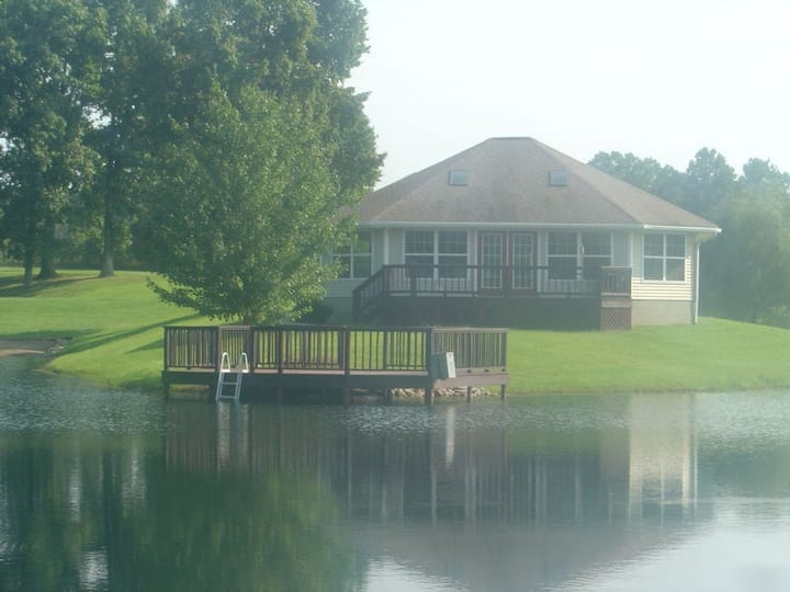 Relaxing Lake House 30 Minutes from Holiday World