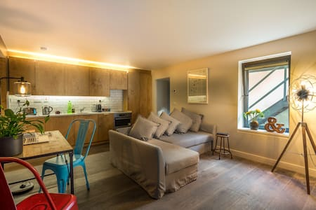 Grand Canal Apartment, Dublin 2