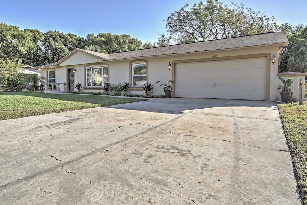 Conveniently located with all the comforts of home, this home won't disappoint!