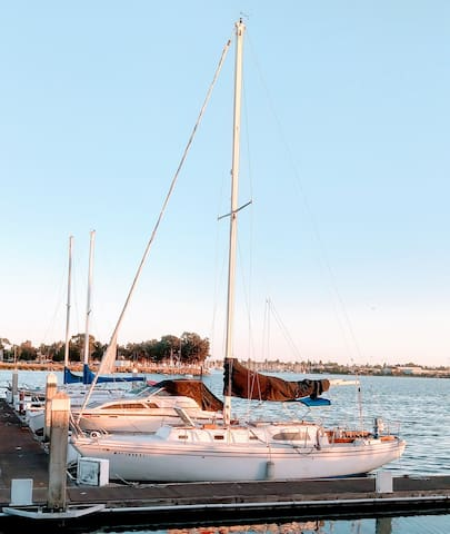 Your Unique and Private Classic Sailboat Stay!