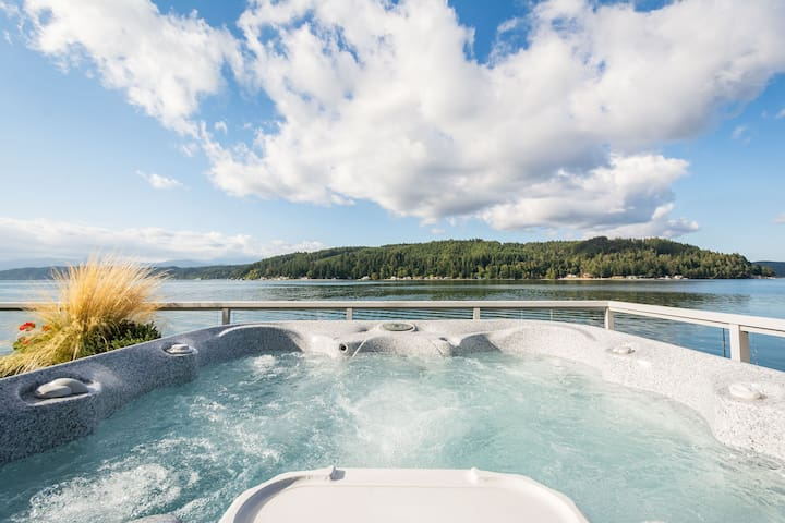 Walls of Glass Hood Canal Vacation Rental: Private hot tub just steps away from the master bedroom