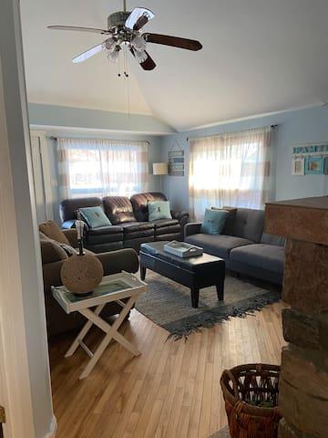 Cozy living room, with futon.