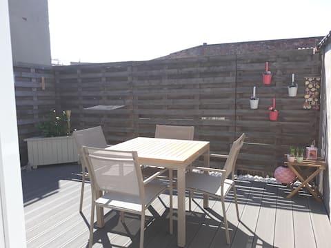 Acogedor estudio en terraza cerca de Ostende en la planta baja