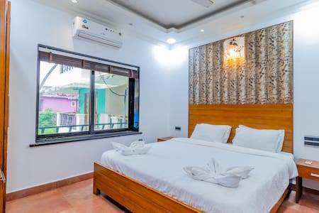 Lux 3 Bedroom Suite with BF