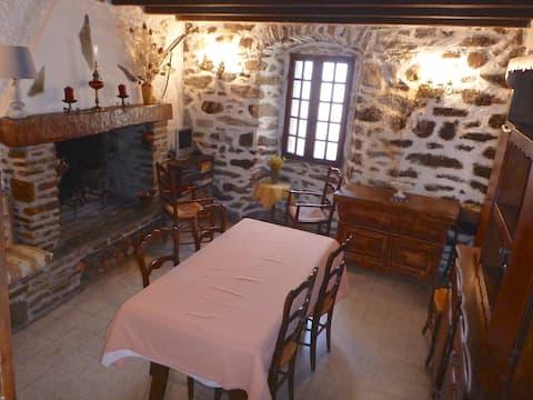 Landsbyhus i Tralonca, Korsika bjerg