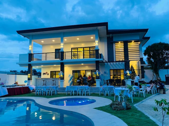 Beautiful NEW Luxury Villa in San Pedro Village