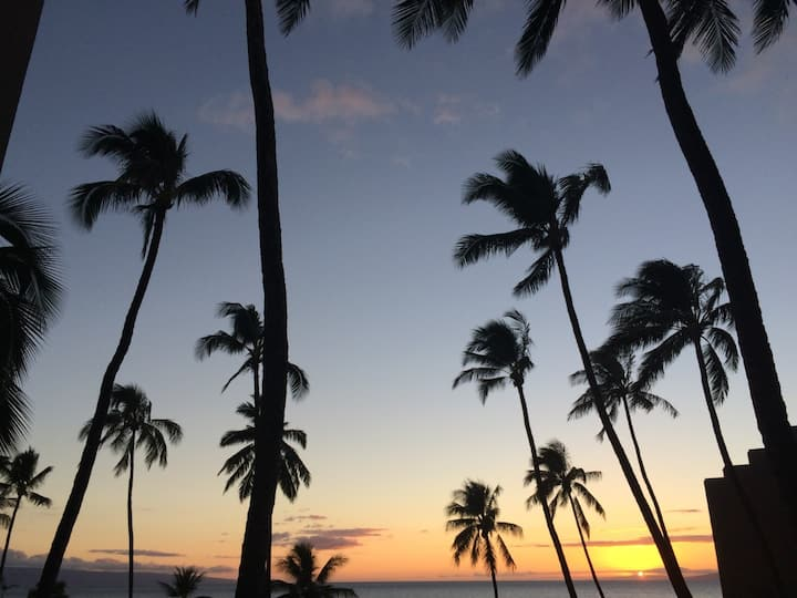 Maui Sunsets in Paradise at Maui Sunset Condos !