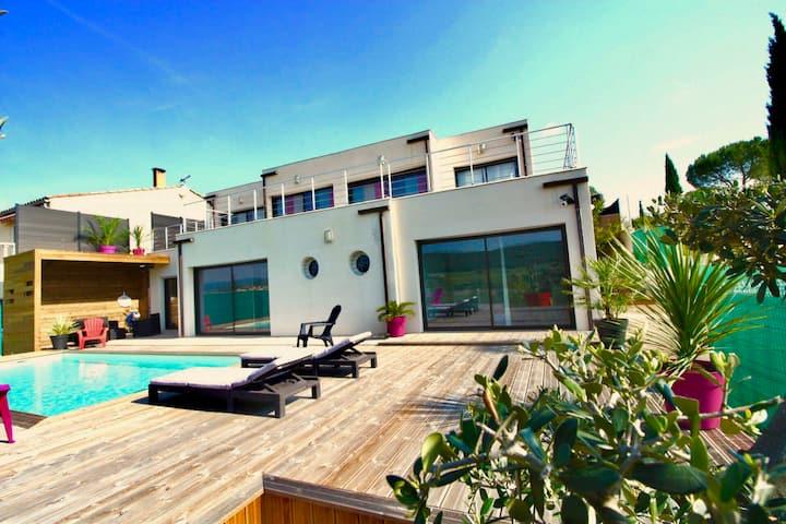 Havre de paix, vue pano, terrasse, piscine, nature