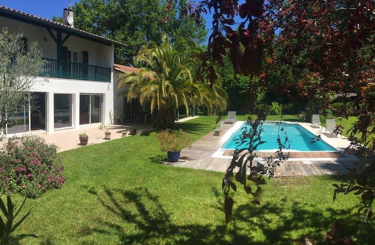 Villa conviviale & paisible |piscine-jacuzzi-sauna