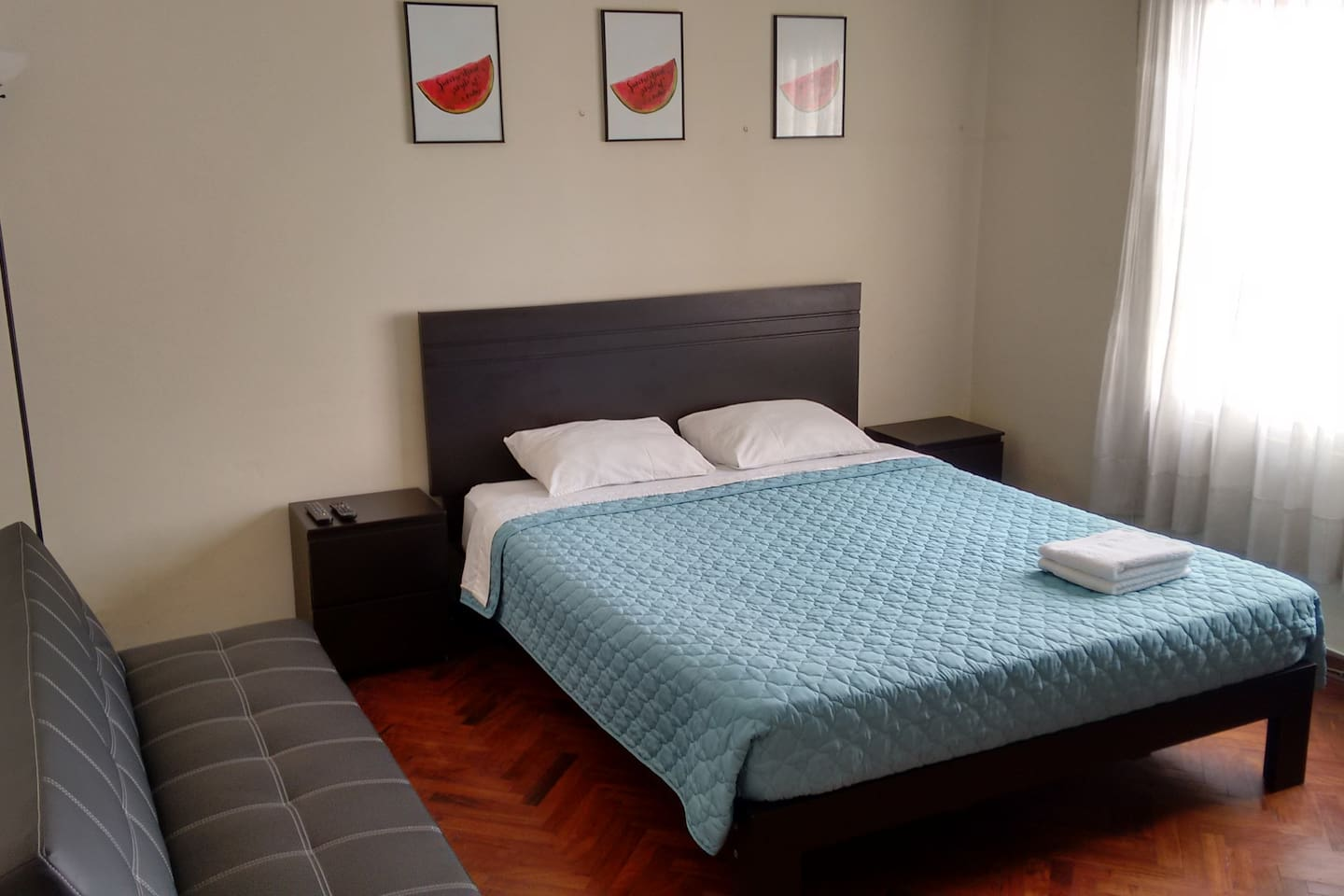 Private room w/ share bathroom in MIRAFLORES