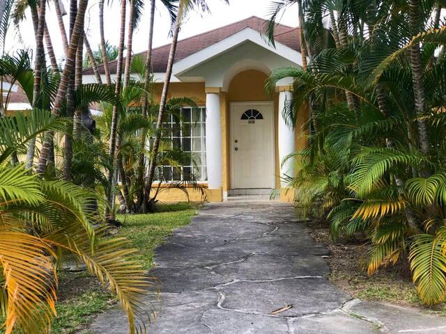 Villa en Hotel Palma real