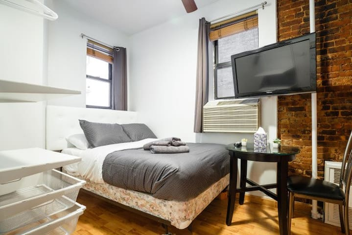 ★Heart of NYC★ Cozy Honeymoon Studio in Midtown