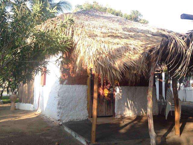 Cabañas IXCHEL-HUARI  Paraíso playero barro