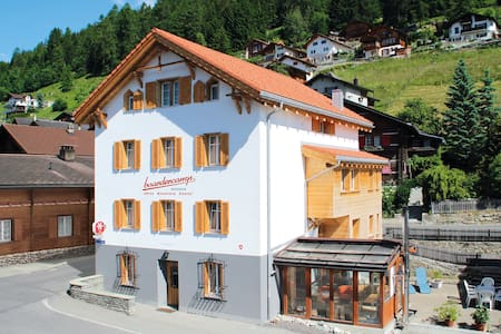 Boardercamp Swiss Mountain Hostel - the basic way - Ruschein - Penzion (B&B)