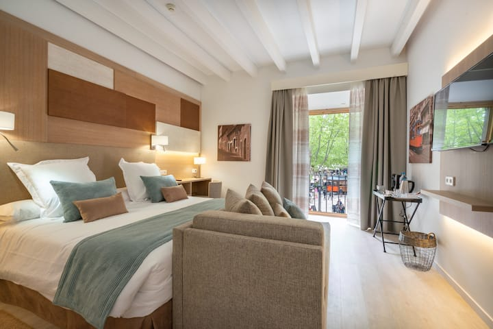 Soller Plaza Junior Suite with City View