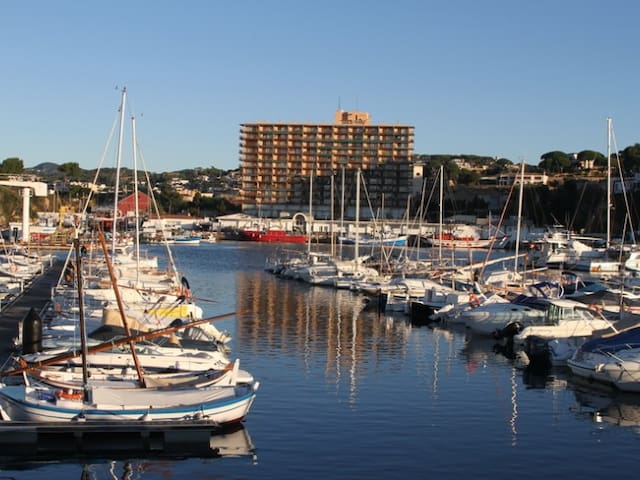 Apartment with sea views in the port of Sant Feliu de Guíxols