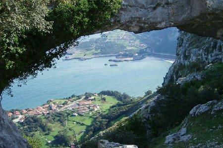 Villa La Perla de Sonabia en la playa y la montaña