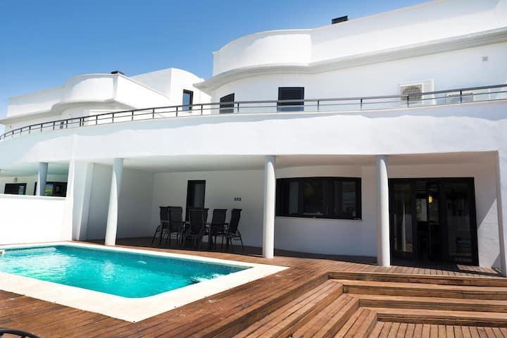 Villa Can Pastilla Pool, BBQ  close of the beach