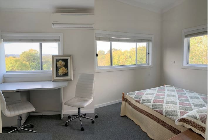 Holiday Apartment 5, Roseville, Sydney North Shore