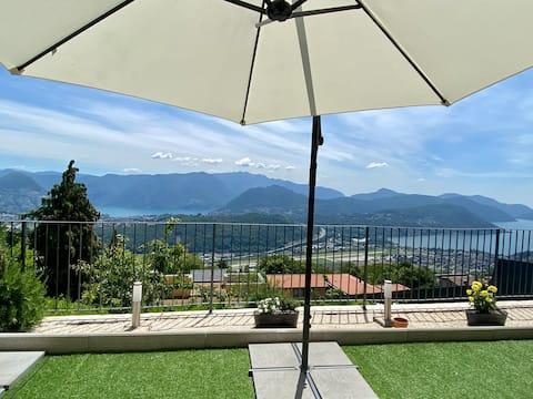 Cademario romantico alloggio giardino e vista lago