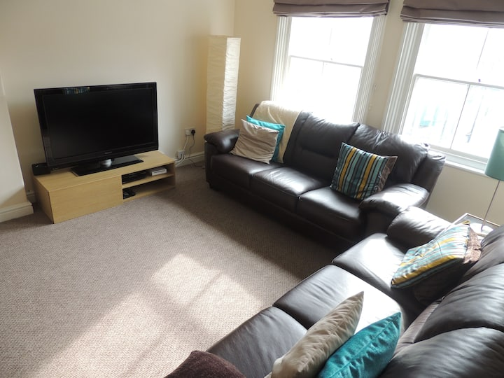 Comfy, spacious Apartment in Whitby town centre.